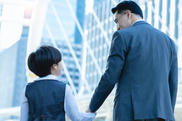 大きくなったらお父さんと一緒に会社行くんだ